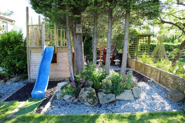 garden landscaping in leeds